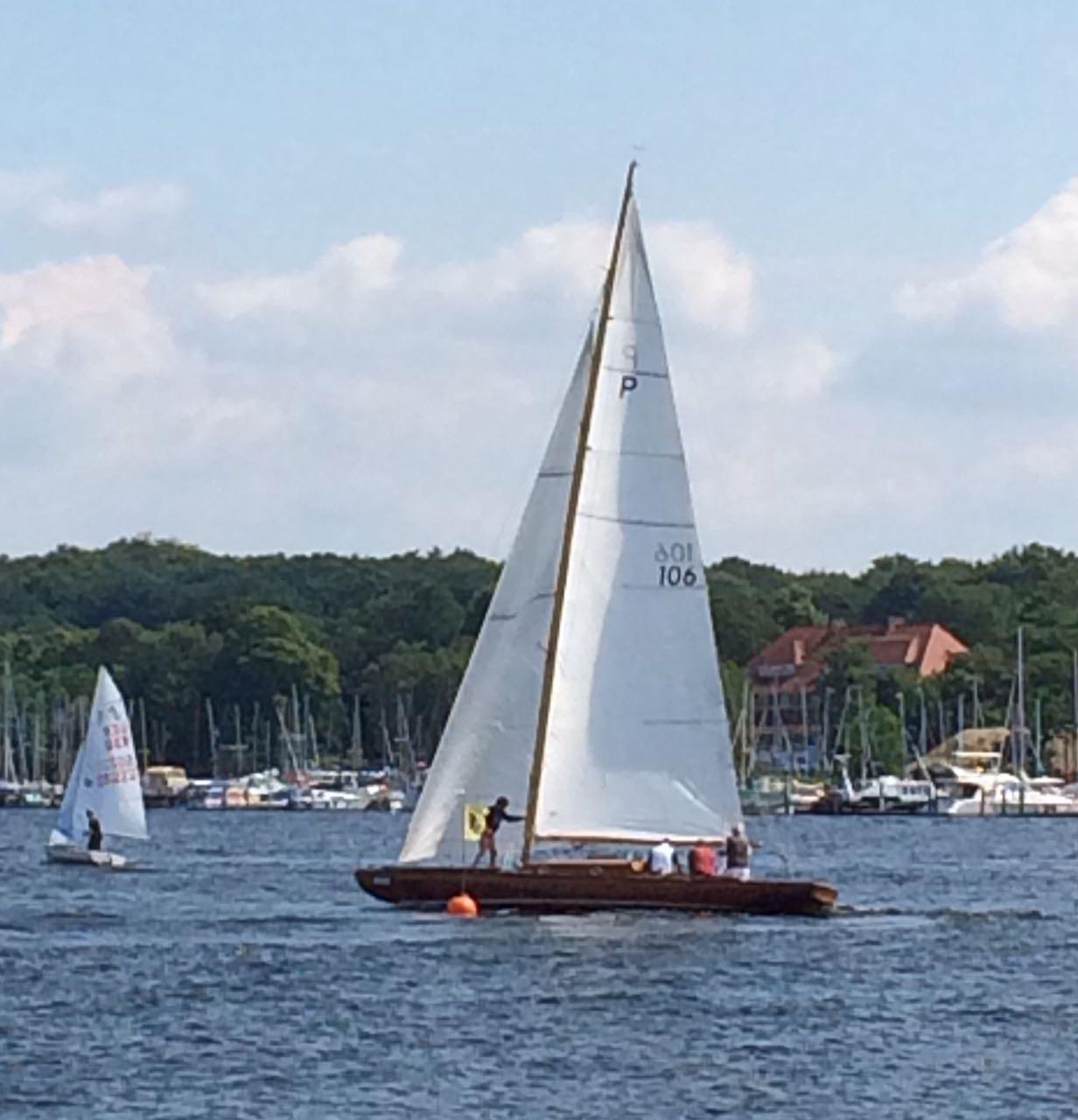 Argo II an der Wendemarke vor dem VSaW-Hafen.jpg