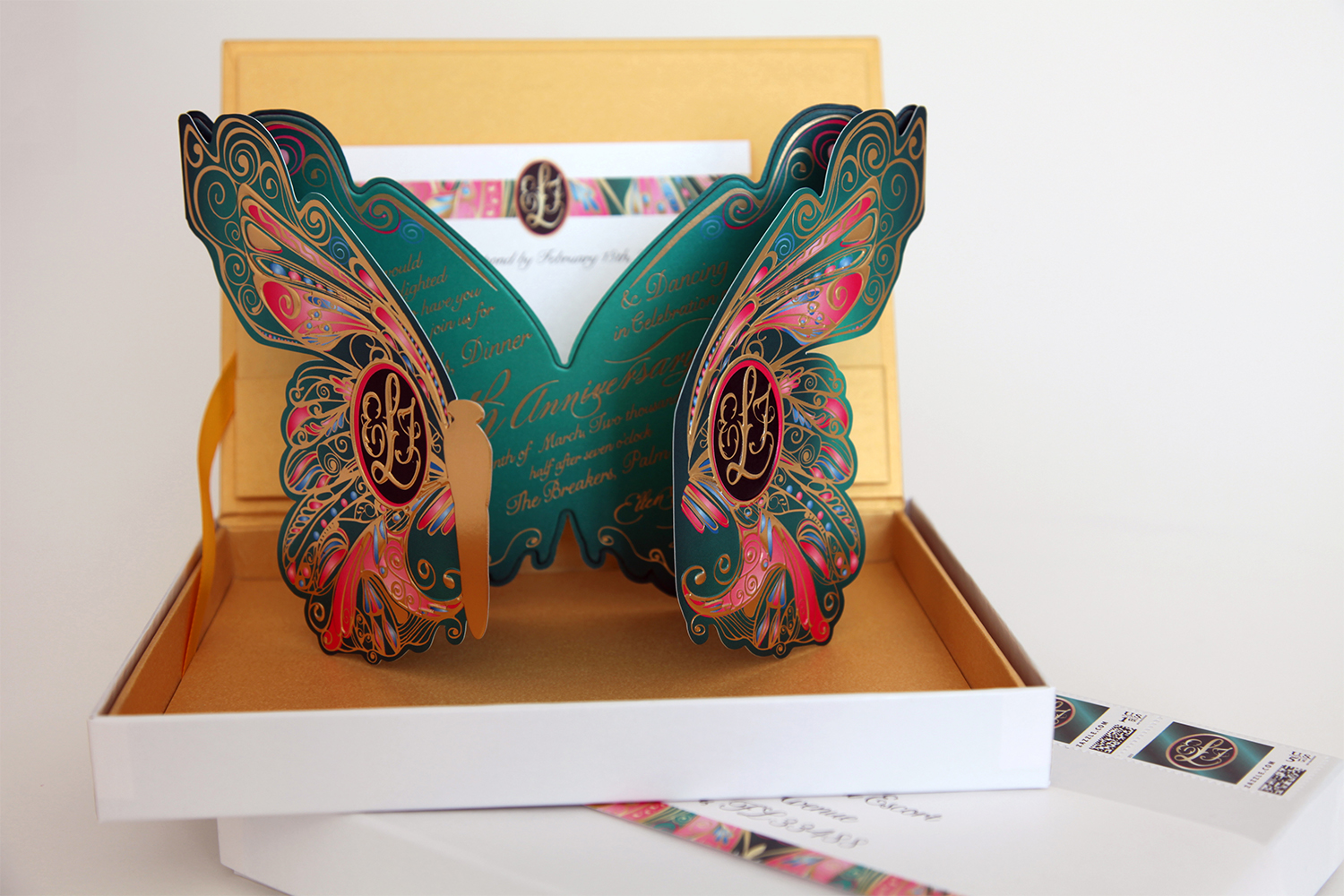 Decorative Butterfly Die Cut Gatefold_01.jpg