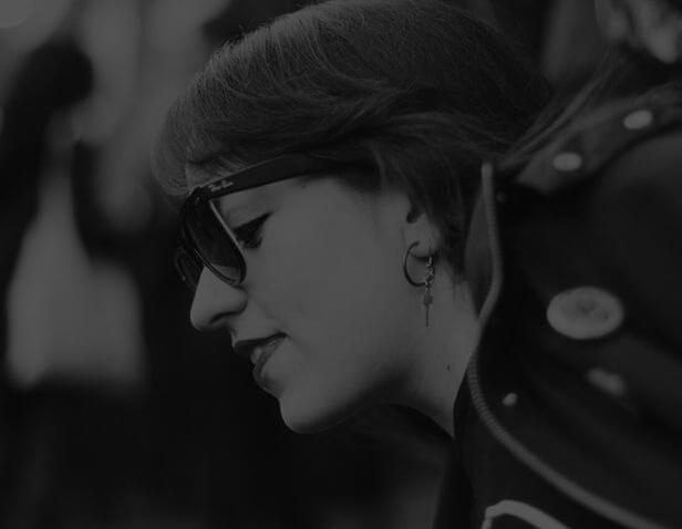 NATALIA MONTES - Ingeniera en audio, músico diletante, lectora voraz, apasionada melómana y cinéfila. Me gustan los retos y cuestionarlo todo.