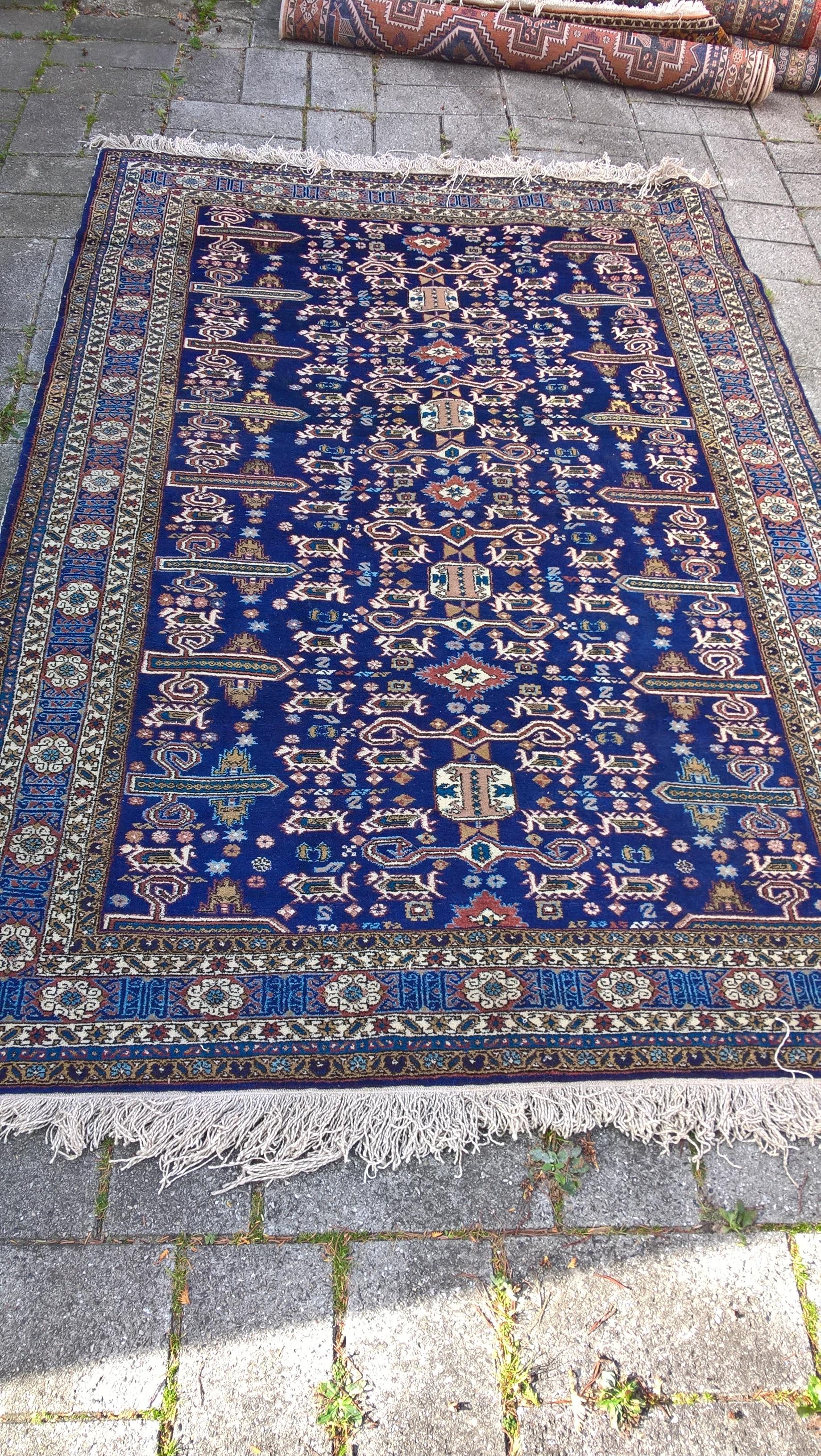 Ægte Persisk tæppe fra Ardebil Mål 181 x 267 cm Tæppe kr. 5.500,- Varenr. Rug16-3460-01-blue