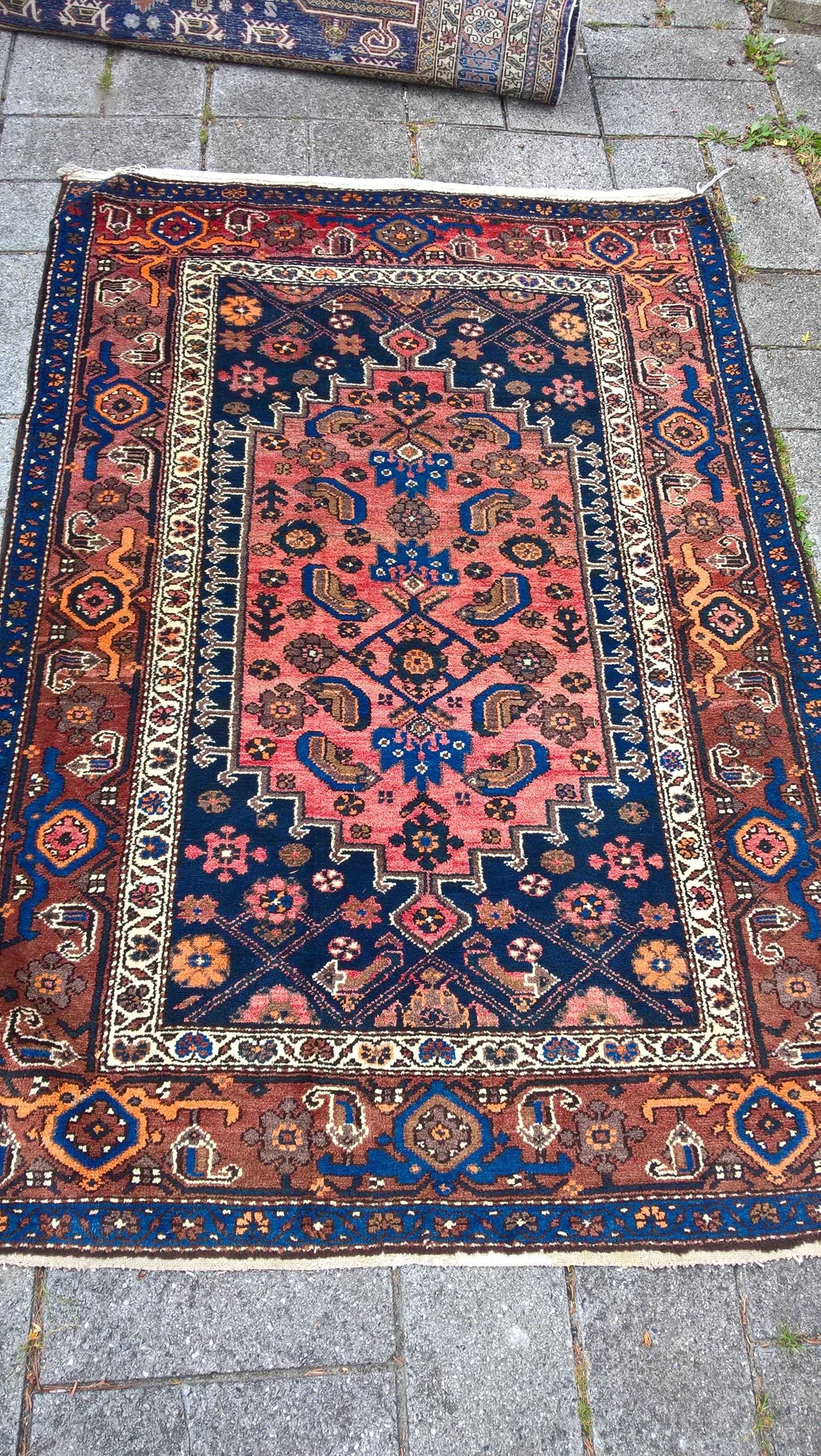 Ægte Persisk tæppe Taleghan Mål 190 x 128 cm cm Tæppe kr. 4.500,- Varenr. Rug16-3460-09-bluebluebrown