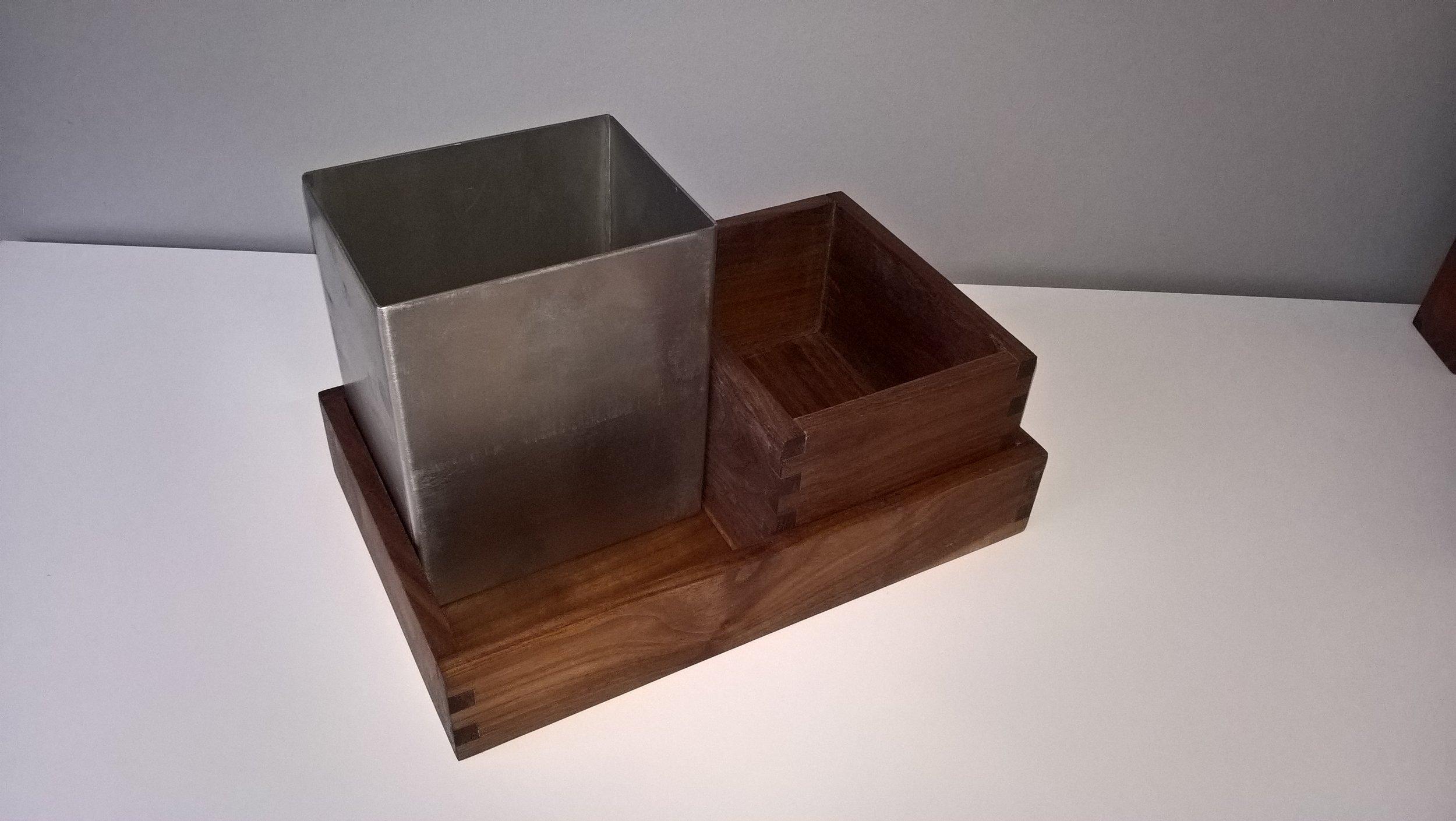 På billedet ses kombination af : 2 dele fra dishbox - medium 1 del fra dishbox - large