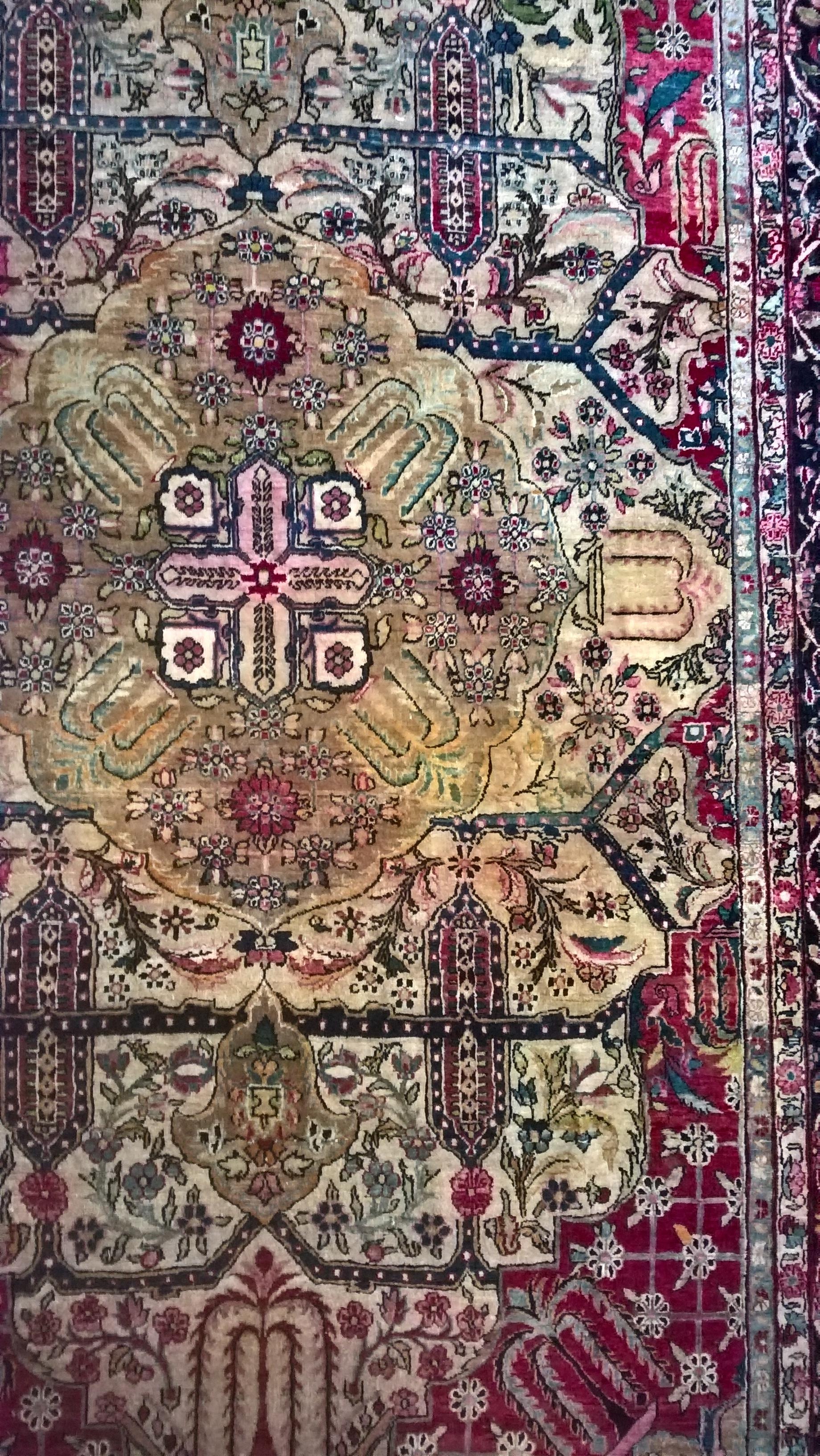 Flot tæppe med utroligt flot og detaljeret blomster mønster