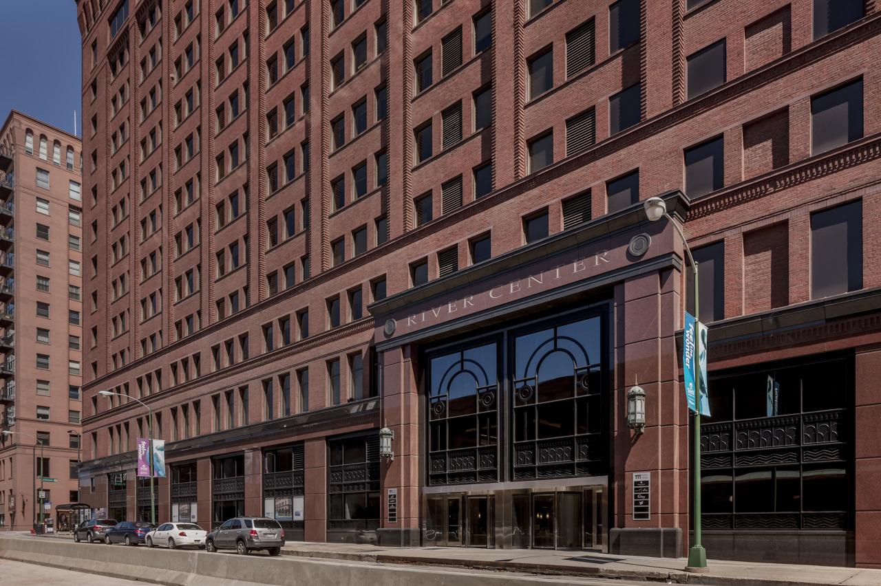 The Gogo Building at 111 N. Canal - Chicago, IL