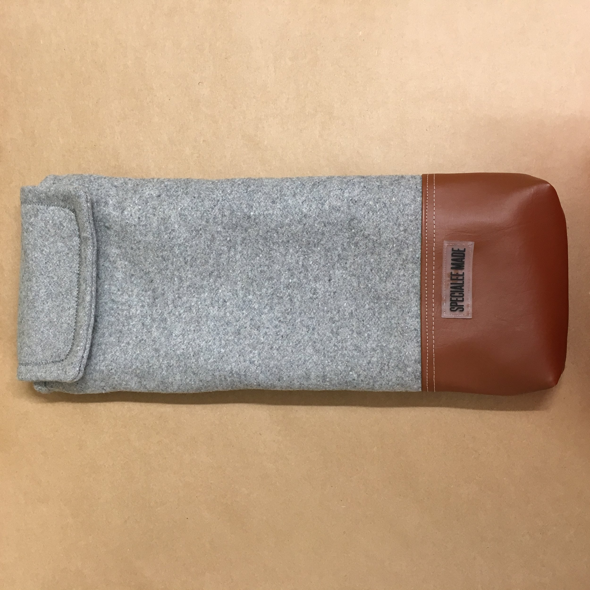 POCKET STYLE: NONE (SEAMED SHUT) - Don't need any pockets? No problem.