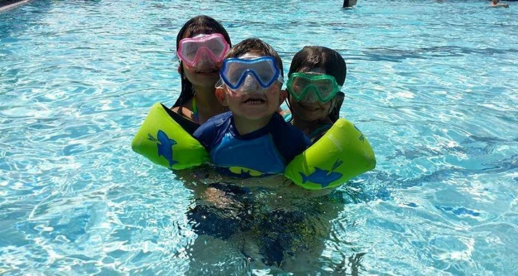 leslie milliner larkins swim photo.jpg