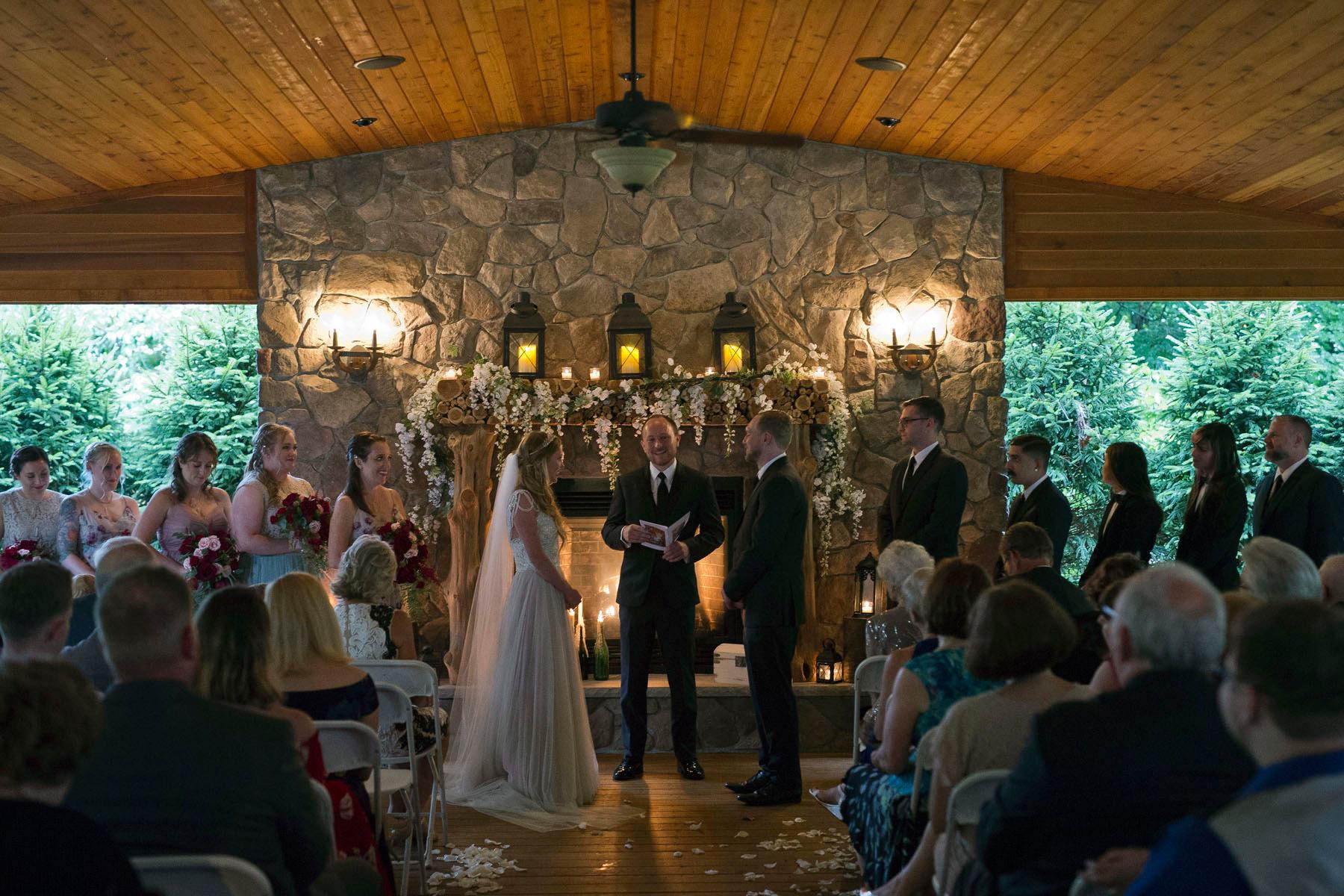 Bucks_County_wedding_photographer_Stroudsmoor_country_inn_wedding_Philadelphia_wedding_photographer_13_stroudsmoor_country_inn_ceremony.JPG
