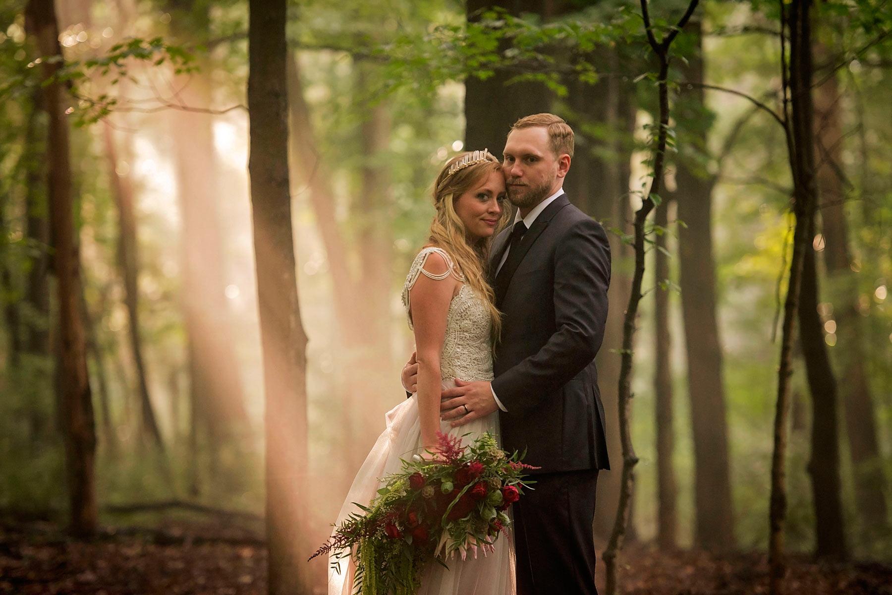 Bucks_County_wedding_photographer_Stroudsmoor_country_inn_wedding_Philadelphia_wedding_photographer_21_woodland_wedding.JPG