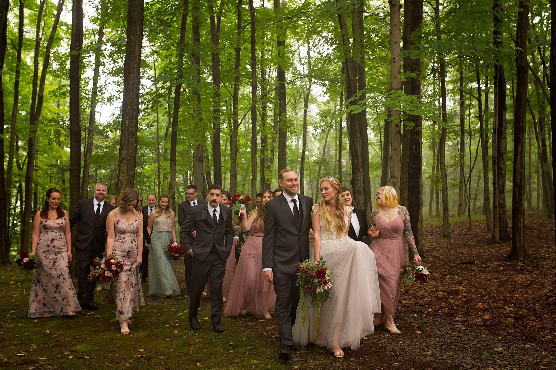 Bucks_County_wedding_photographer_Stroudsmoor_country_inn_wedding_Philadelphia_wedding_photographer_24_woodland_wedding_party.jpg