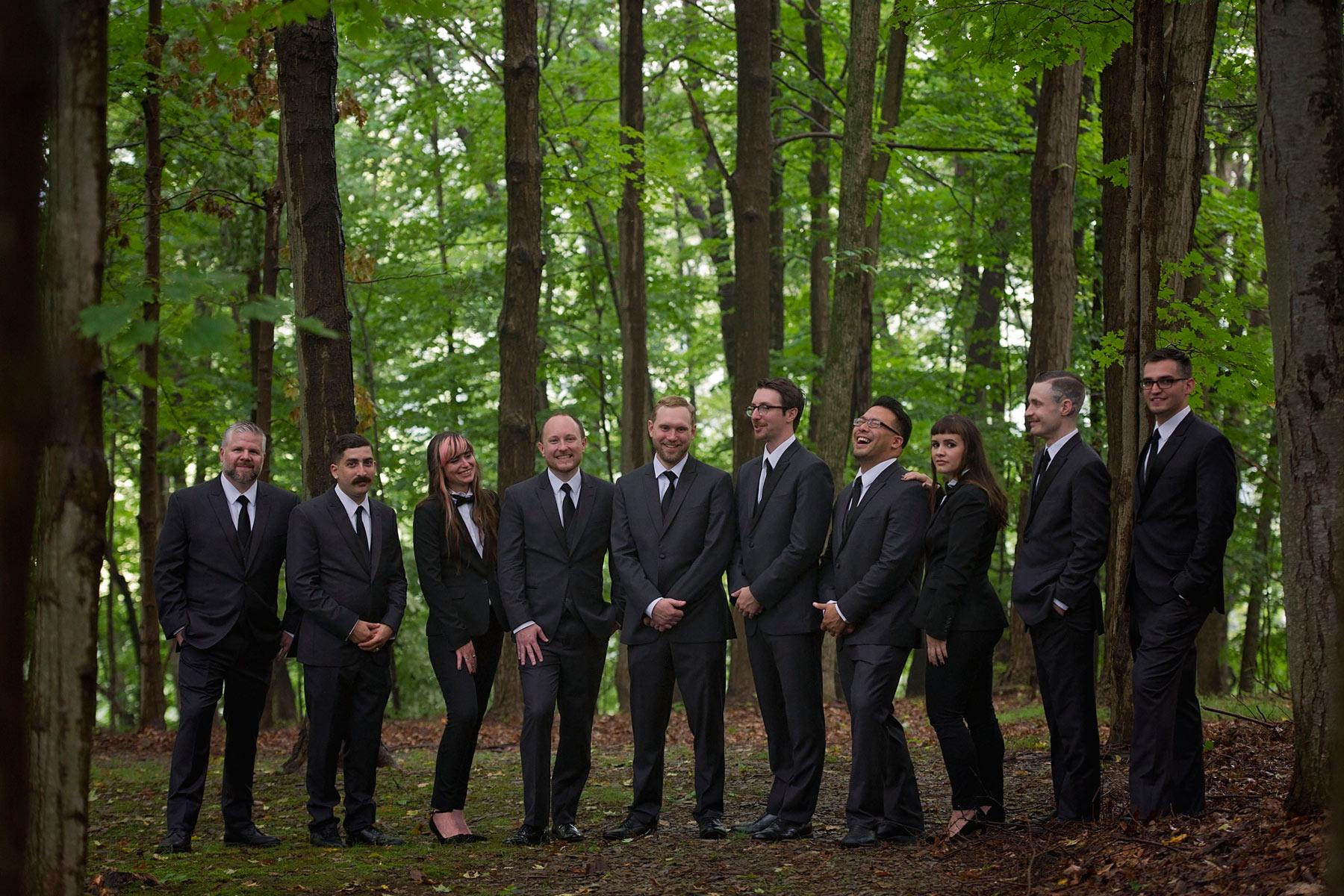 Bucks_County_wedding_photographer_Stroudsmoor_country_inn_wedding_Philadelphia_wedding_photographer_23_groomsfolk.JPG