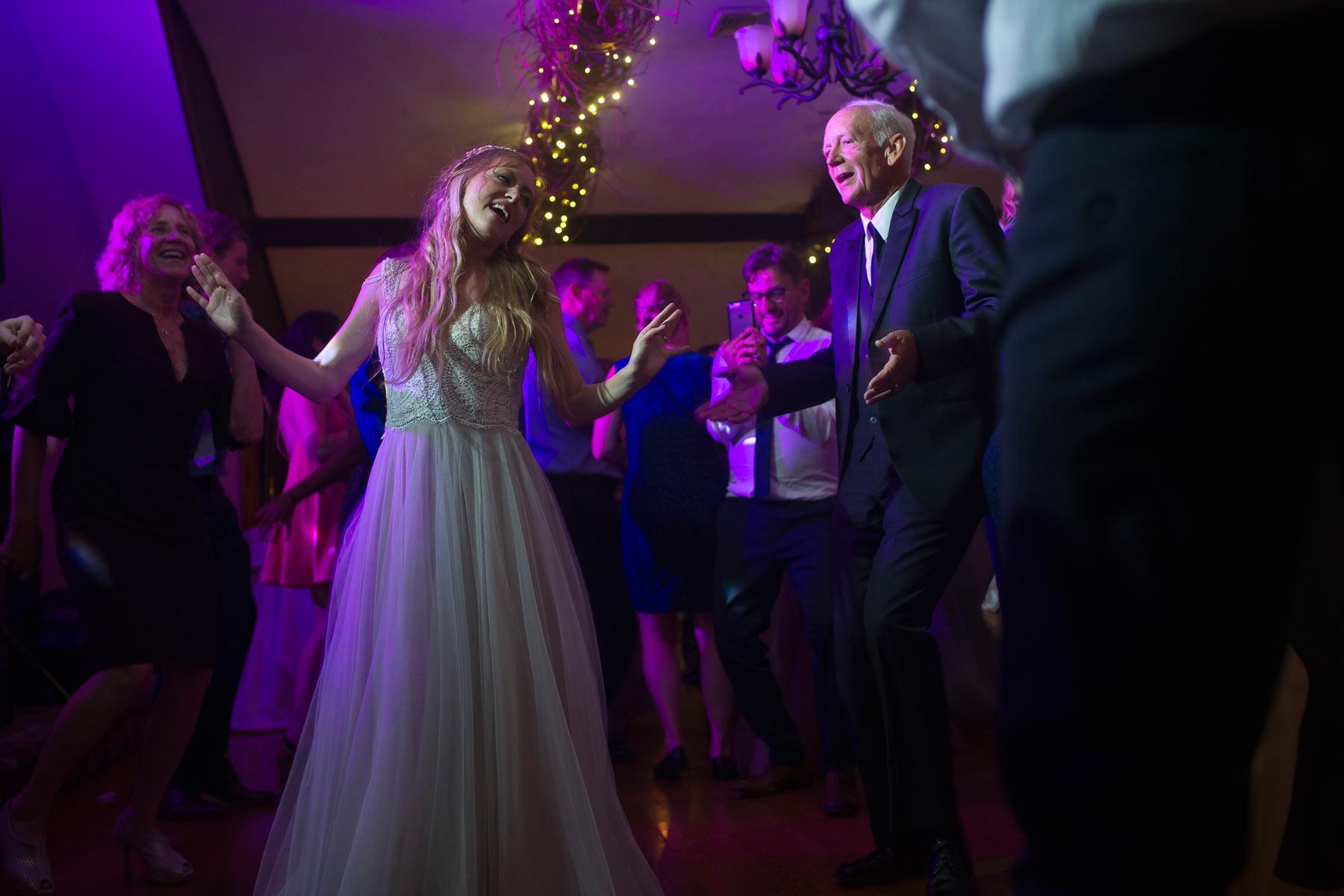Bucks_County_wedding_photographer_Stroudsmoor_country_inn_wedding_Philadelphia_wedding_photographer_34_bride_and_dad_dance.JPG