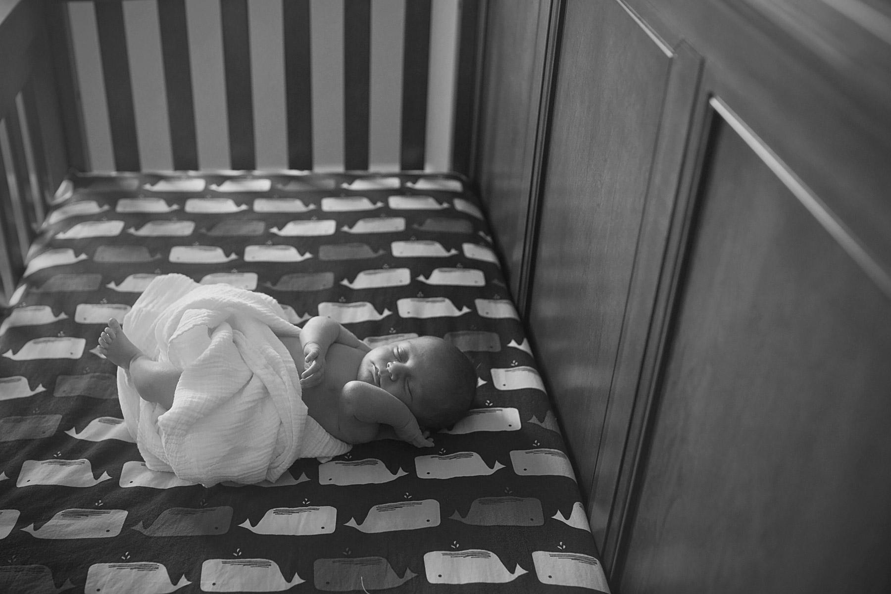Main_Line_Newborn_photographer_Lifestyle_newborn_photographer02_sleeping_newborn.JPG