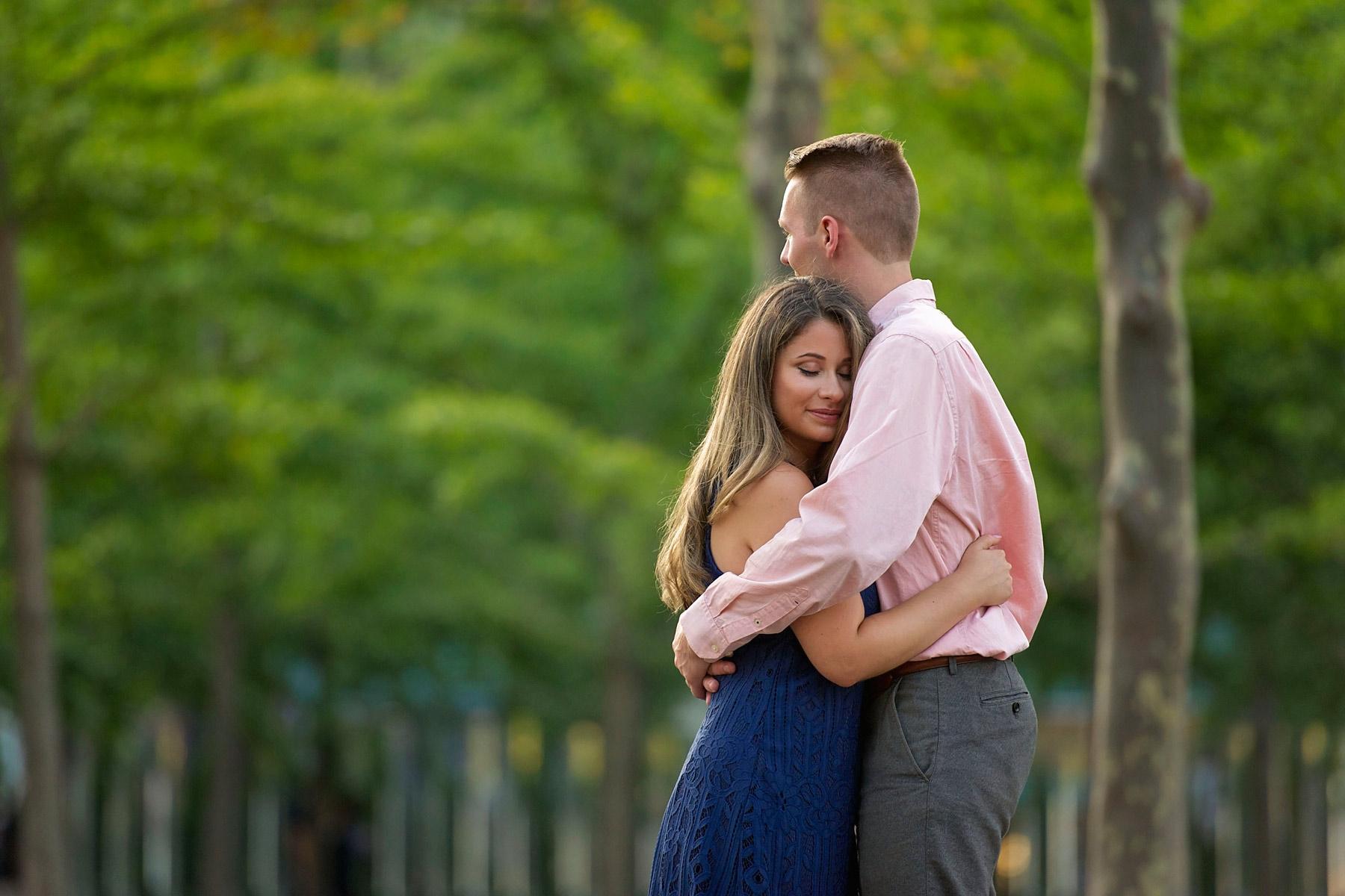 Hoboken_engagement_photographer_bride_and_groom_embrace.JPG