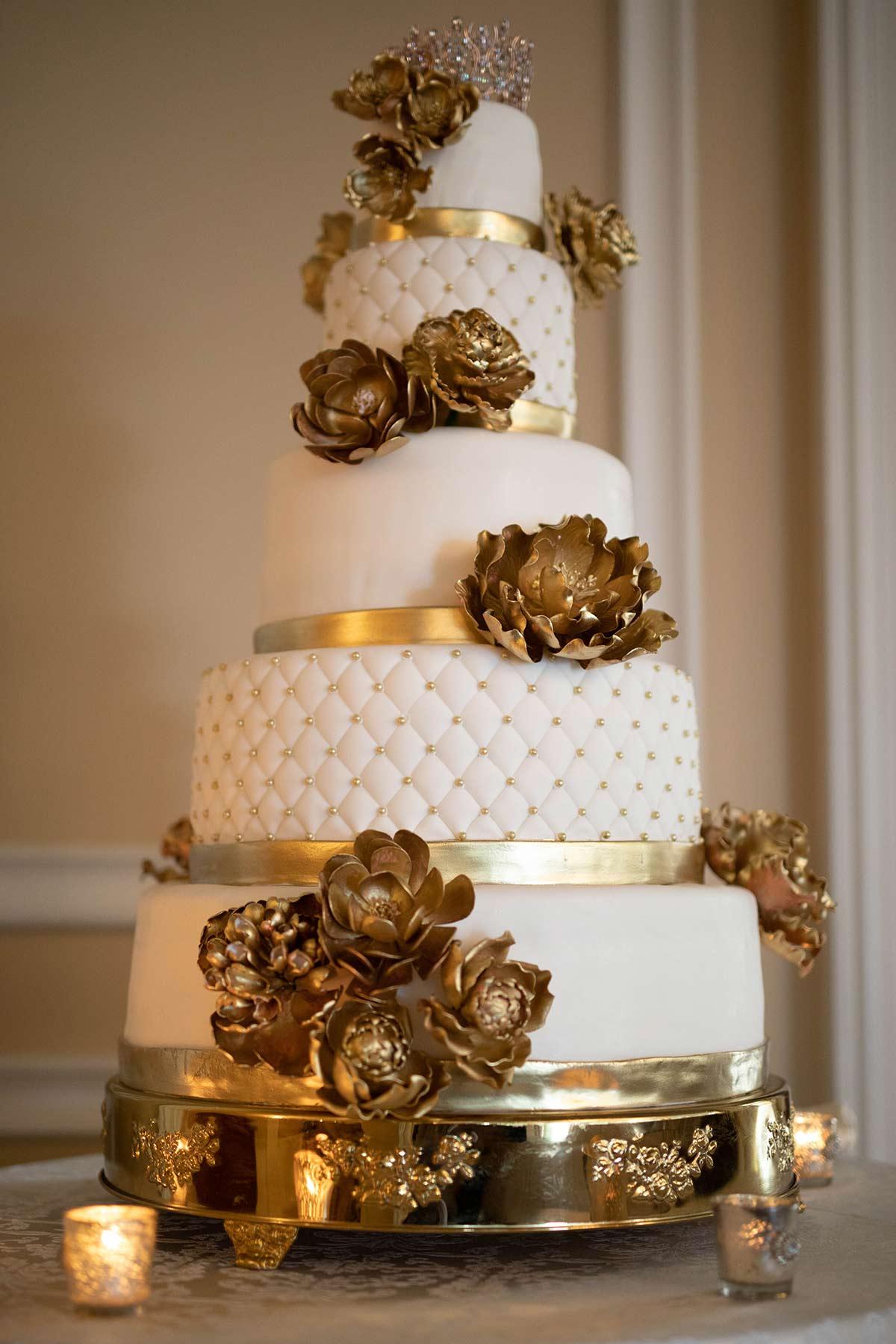 27_Dan_Andreotti_cake_at_Oheka_Castle.JPG
