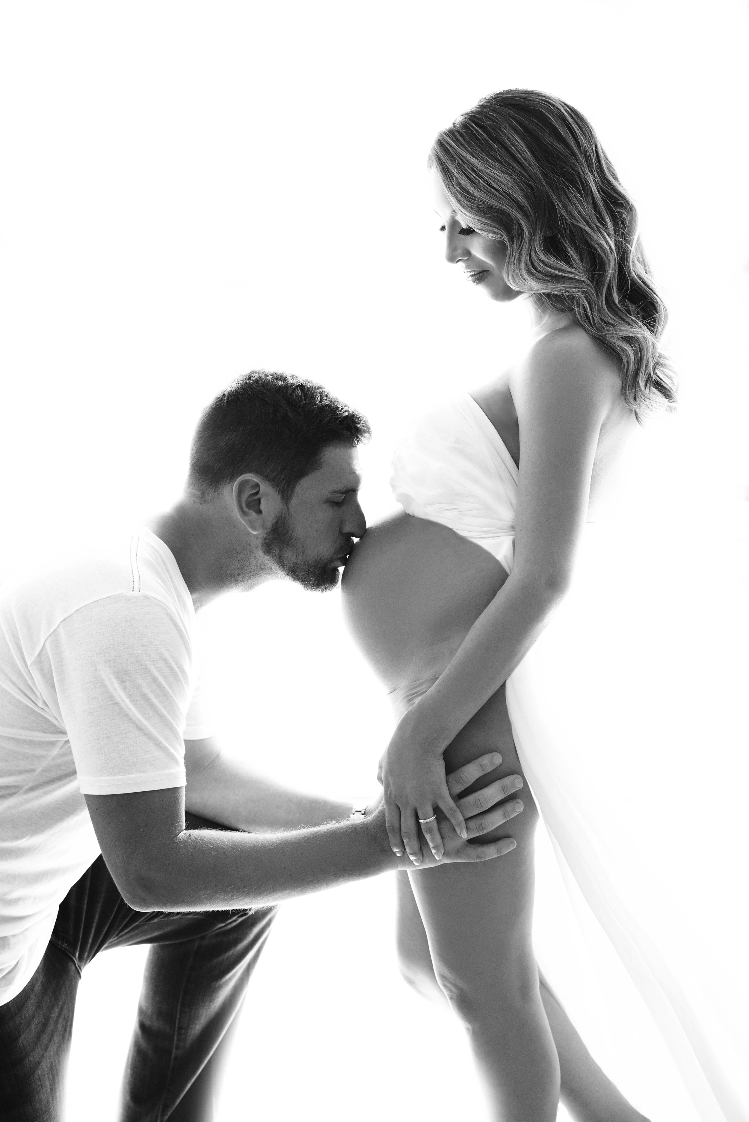 Kaitlyn Maternity 5 BW.JPG