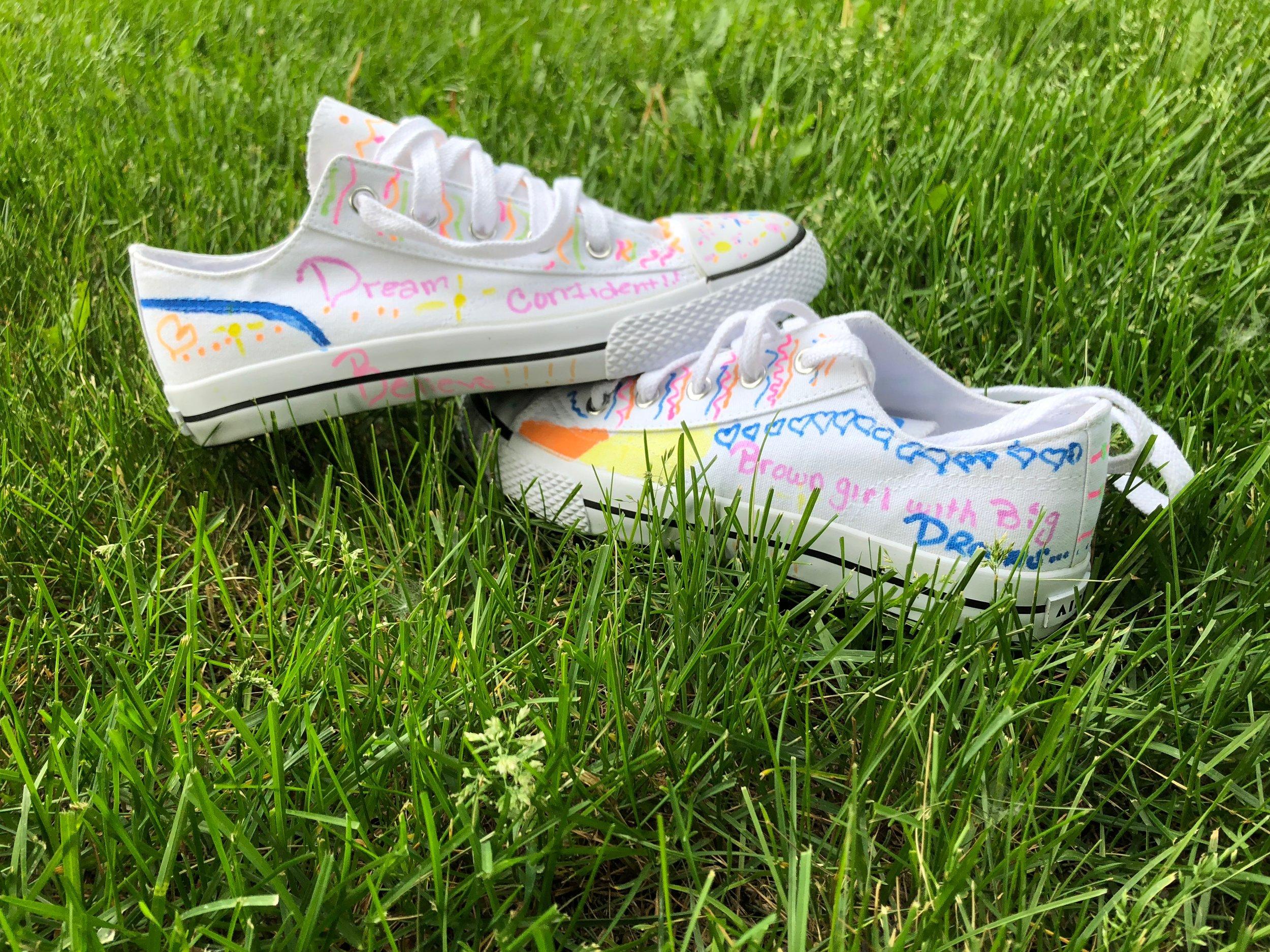 San'dexcia's shoe design.