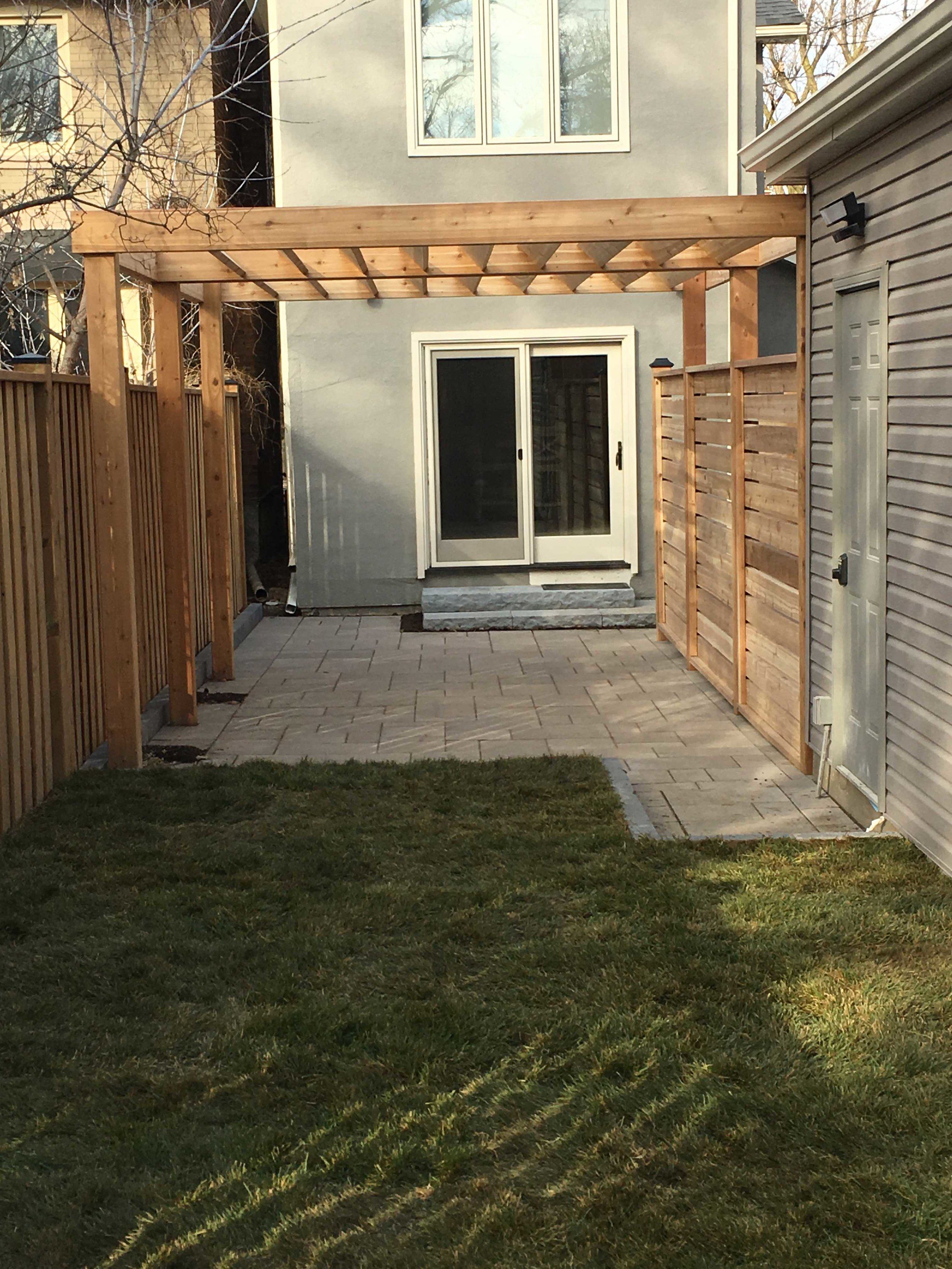 PERGOLA PRIVACY SCREEN - AFTER