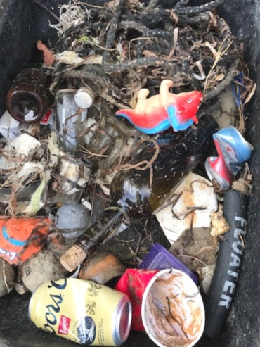 2019 Coastal Clean Up & Litter Bug Me Roadside Trash © EAC