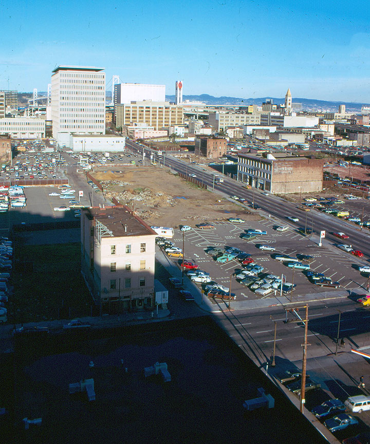 Yb-gardens-folsom-street-east-from-above-4th-1976 (1).jpg