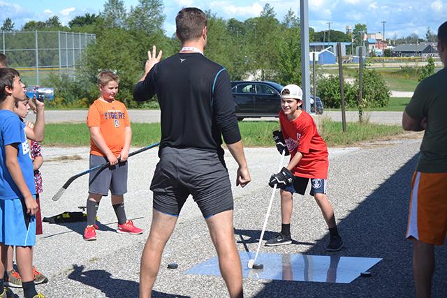 Outdoor+Hockey.jpg