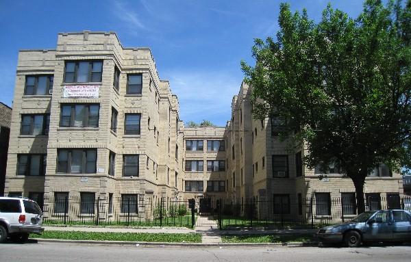 1915-21 S. Harding - residential courtyard