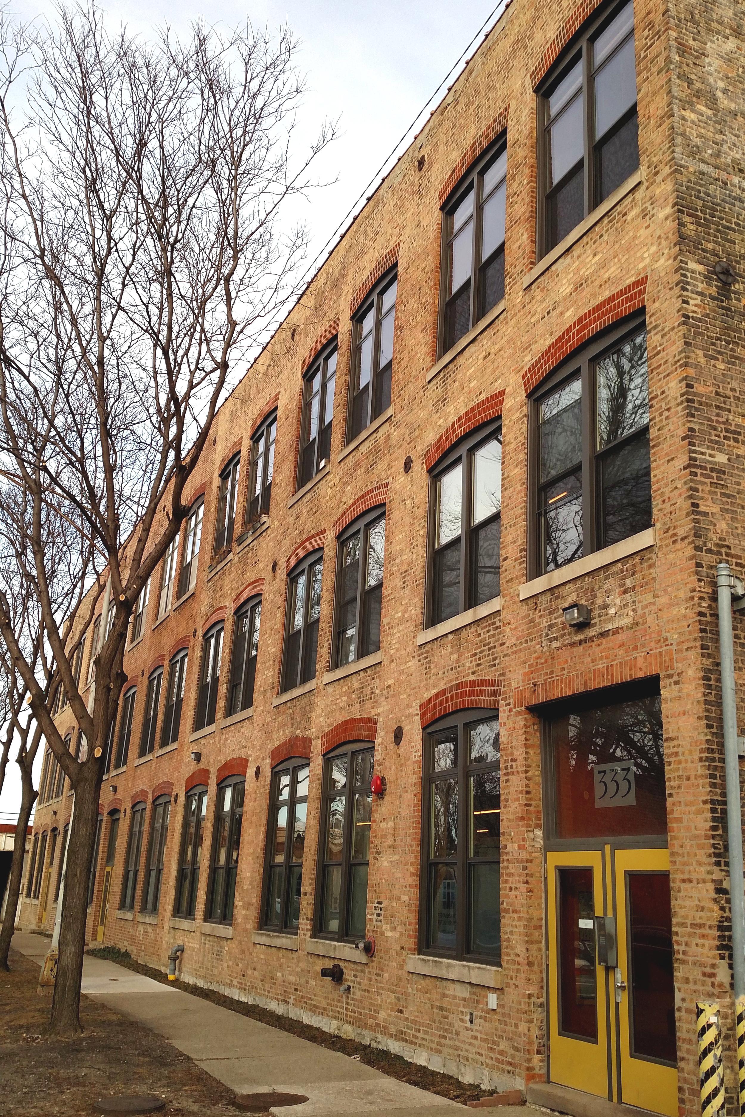 333-9 N. Oakley - Industrial loft / office