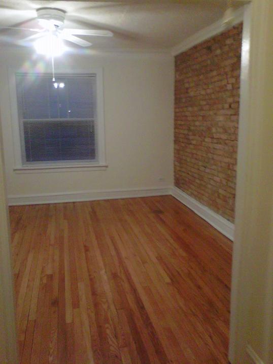 938 #3N living room.JPG