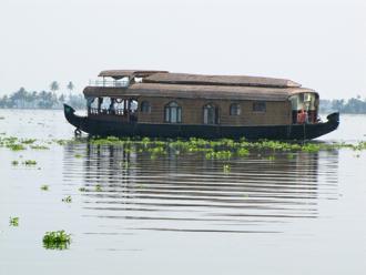 houseboat 1B.jpg