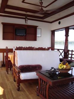 houseboat 5.jpg