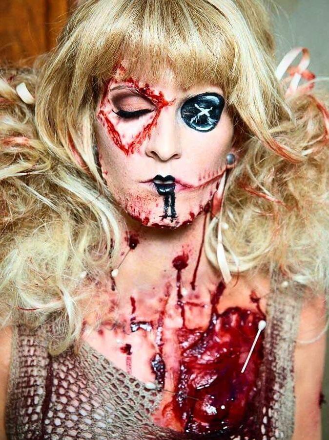 Monsterpalooza- Frends Demo, 2016 Makeup by: Chloe Sens  Photo by: Russel Preston Brown
