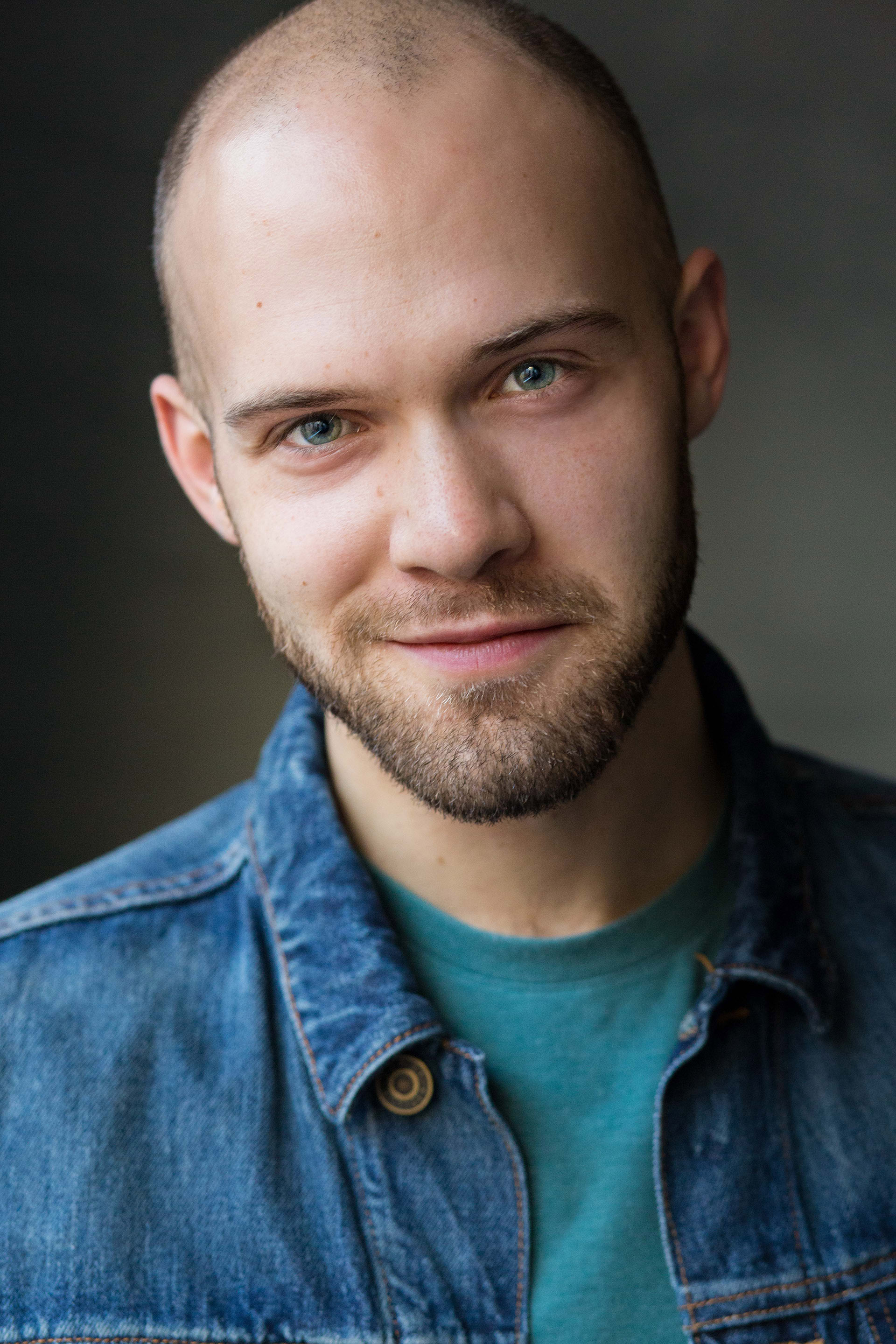 Thomas_Varga_Headshot_Full_Theatrical.jpg