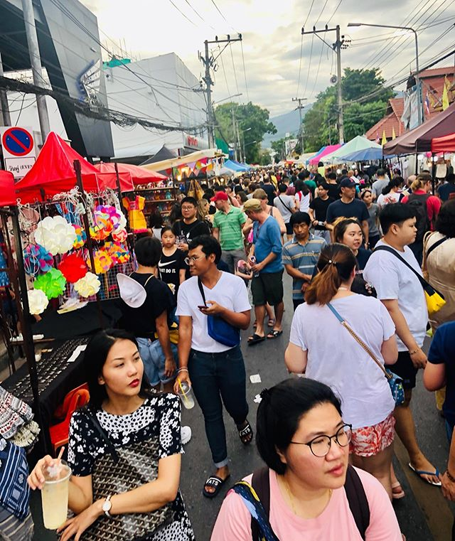 Sunday night walking street market... it is completely alive with people... an amazing experience for the eyes, nose and tastebuds!! The Thai culture is so chill that even this massive amount of people felt relaxed! #ilovethailand #sundaynightwalkingmarket #chiangmai #thailand . . . #thailand2019 #thailandtravel #jesuslovesthailand #missiontravel #travelwithapurpose #jesuscalling #proverbs31woman #ministry #thai #thaipeople #chiangmailife #chiangmaithailand #thaifood #streetmarket #streetmarkets