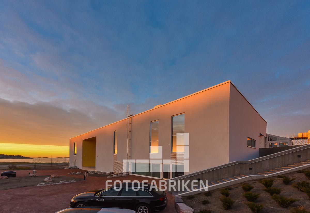 Västra Nylands byggservice ville ha nya bilder på sina referensbyggen till deras nya webbsida som lanseras i sommar. Hangö Havsbad. Nice.