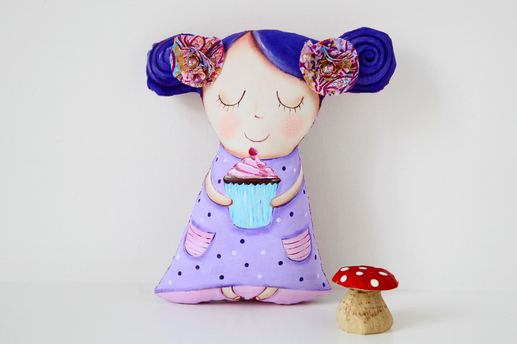 girl_cupcake_natalie_1.jpg