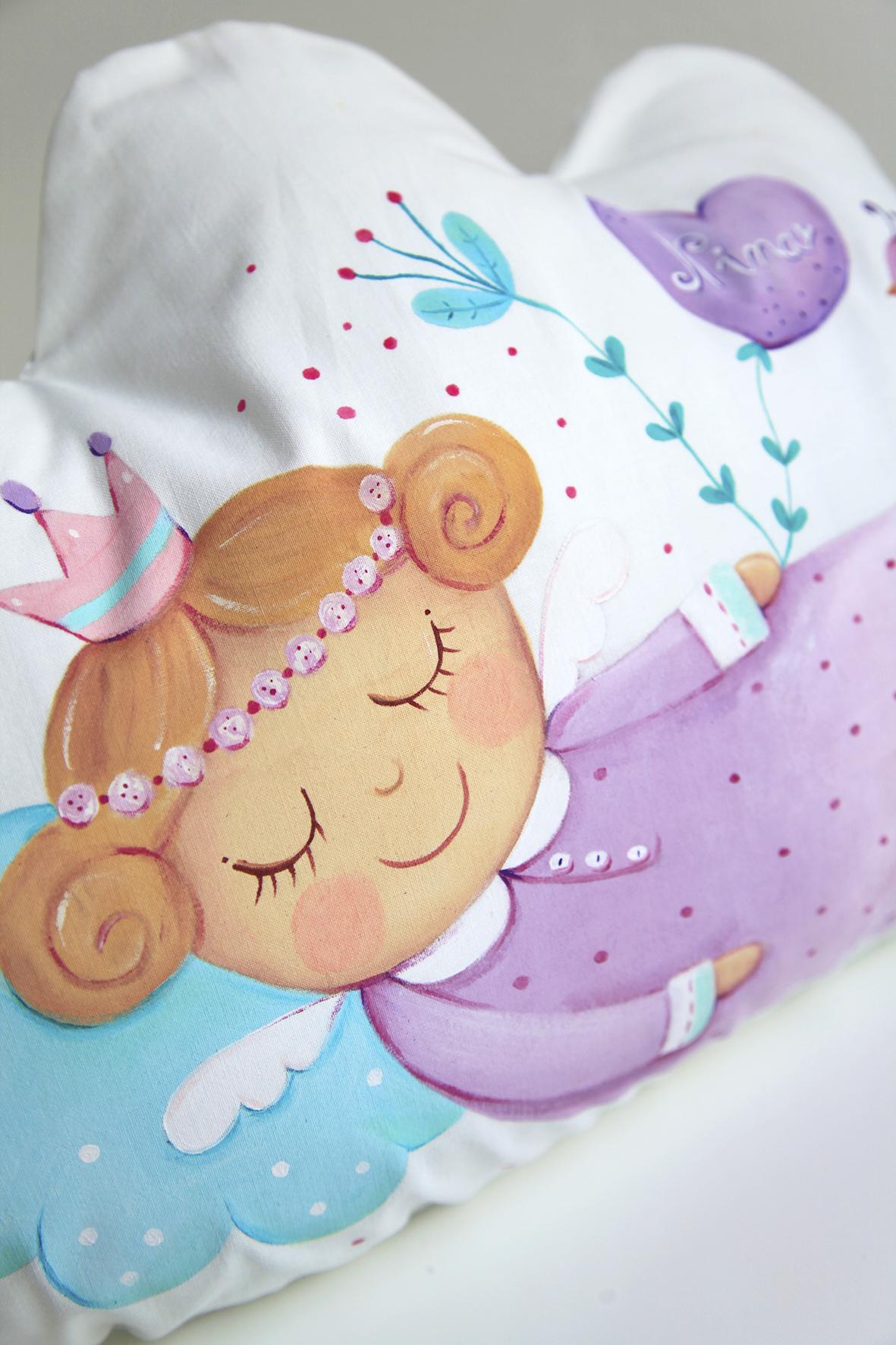 Nina_pillow_7.jpg