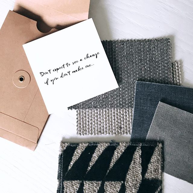 INSPIRATION.. A little material inspiration in an envelope.. On it's way to Maassluis.. #nicenewproject #interiordesign #interiorstyling #greyliving #dagennachtinterieur #inspirationinanenvelope #makesmesmile