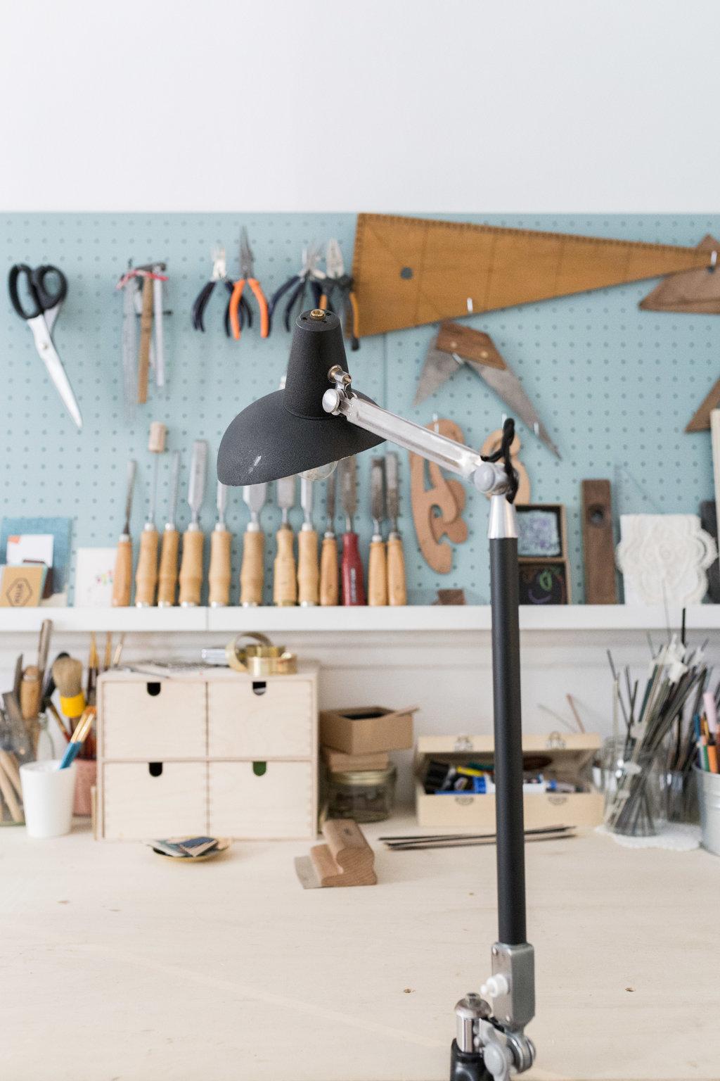 atelier-lampe-industrielle-vintage.jpg