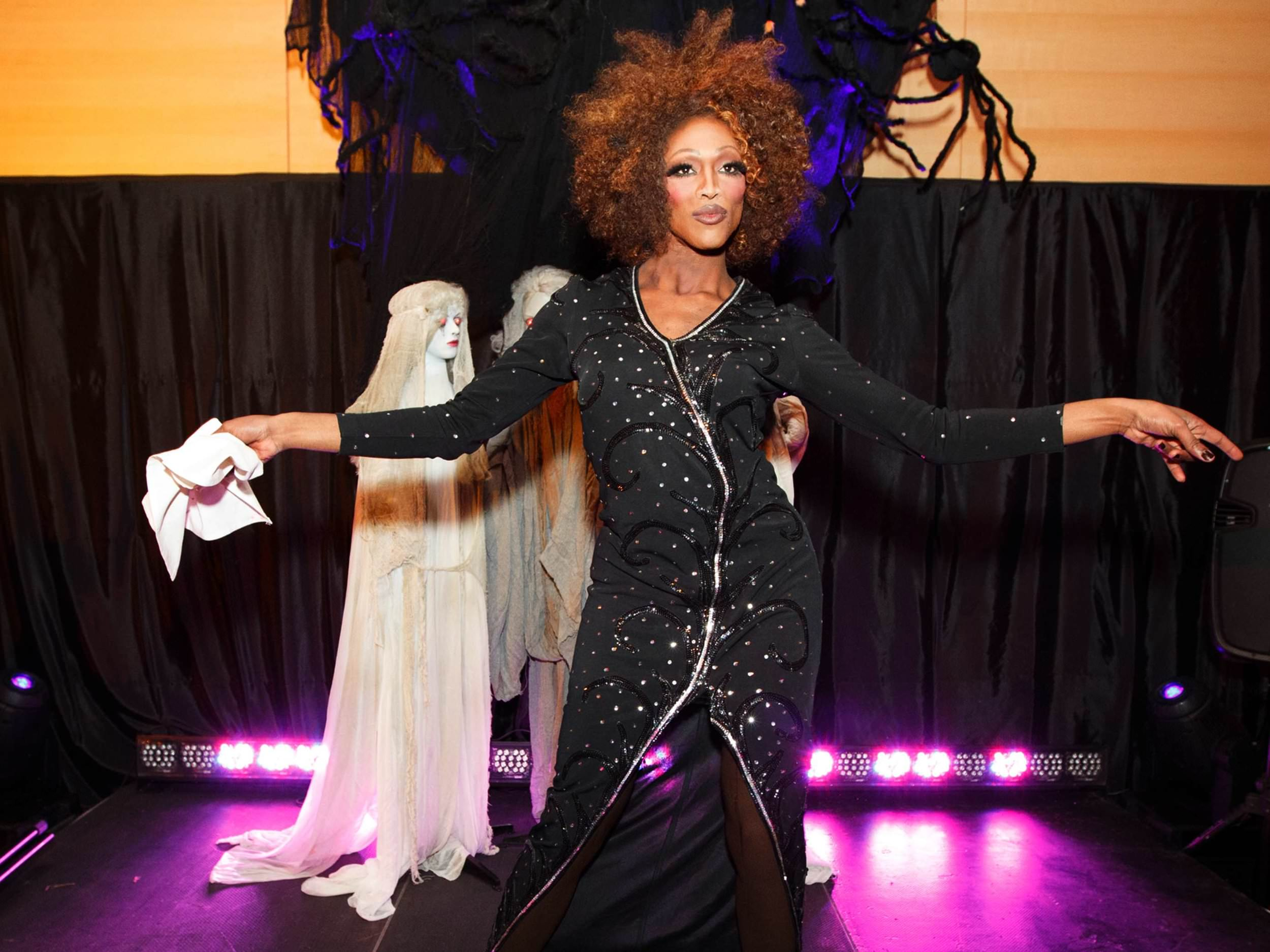 whitney-houston-drag-impersonator-at-hollywood-party-in-boston-ma-with-harrington-events-michael-blanchard-photography.jpg.jpg