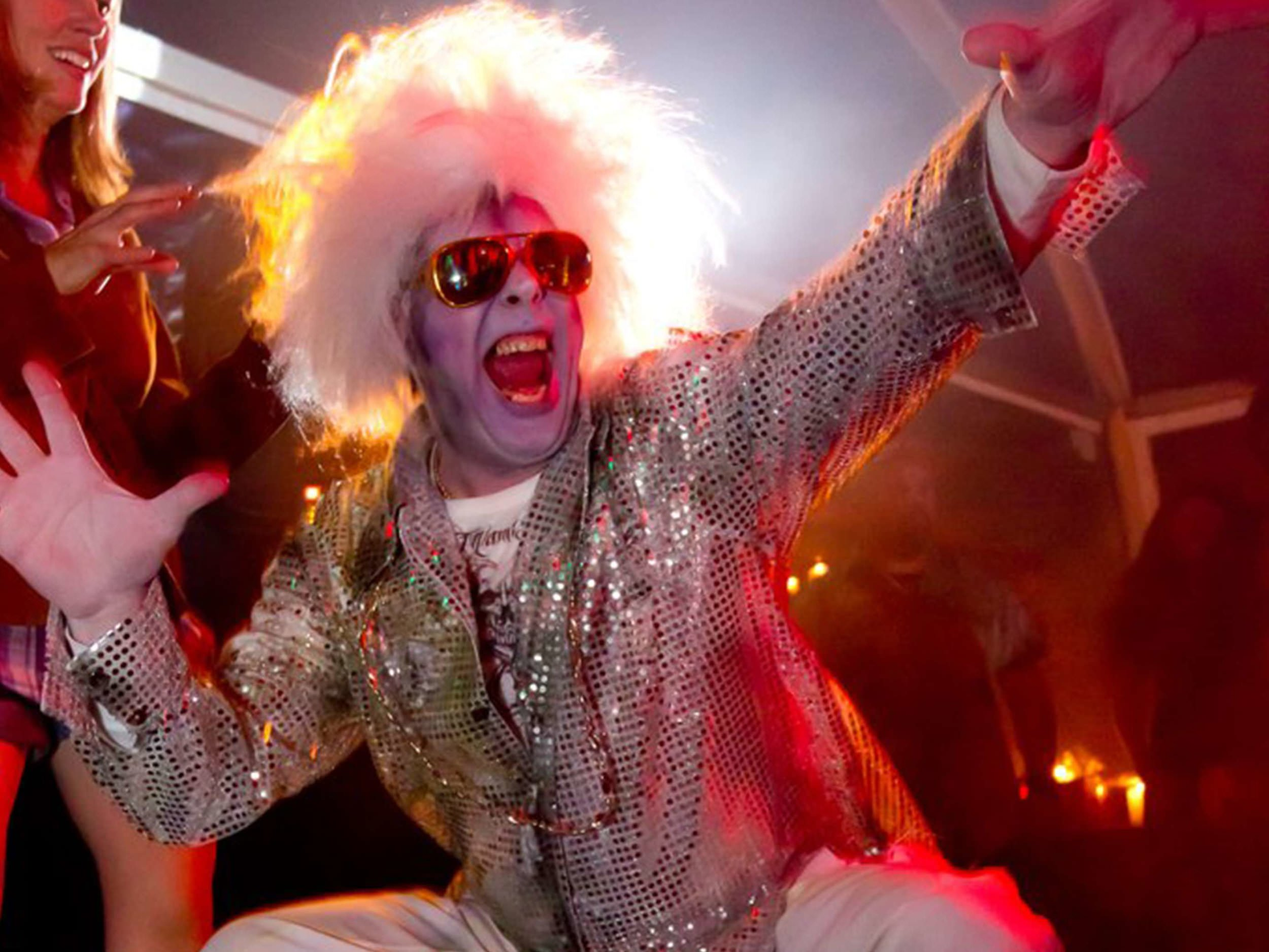 disco-zombie-interactor-at-halloween-theme-party-in-boston-ma-with-harrington-events.jpg