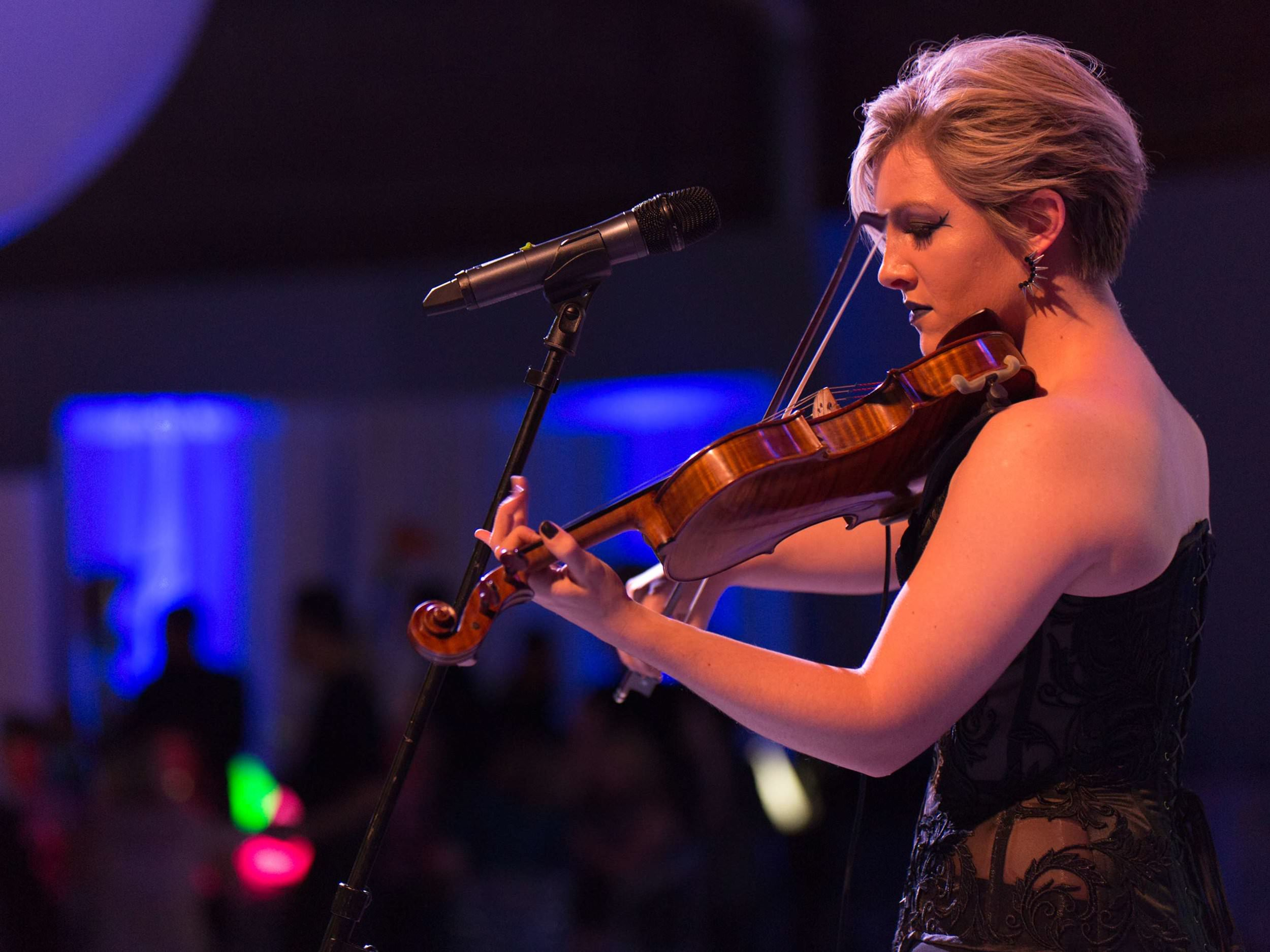 wren-violinist-music-bar-mitzvah-at-cycloramma-in-boston-ma-with-harrington-events.jpg