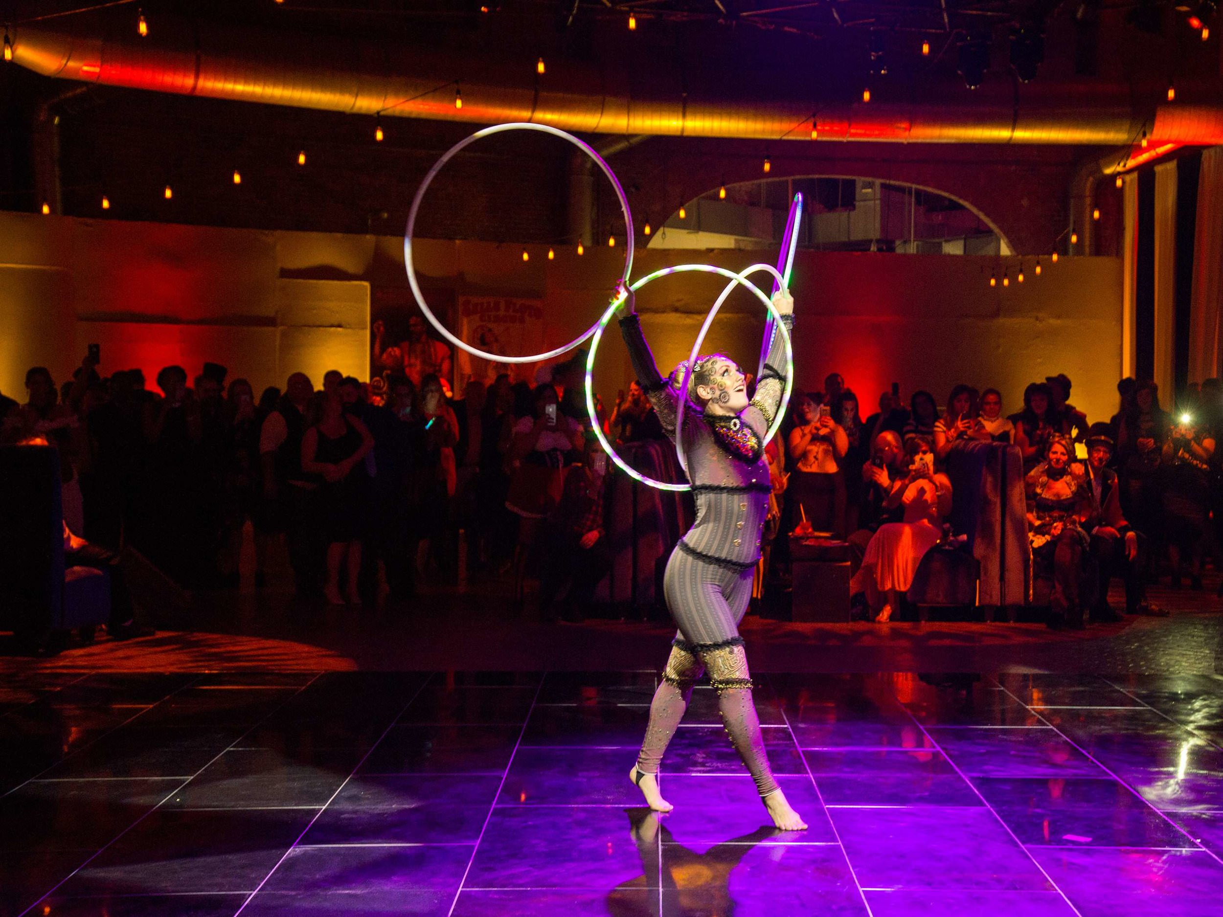 hooper-performer-at-corporate-circus-party-at-cyclorama-in-boston-ma-with-harrington-events.jpg