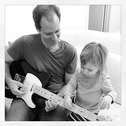 Robert_Lorayne_Daughter_guitar.jpg