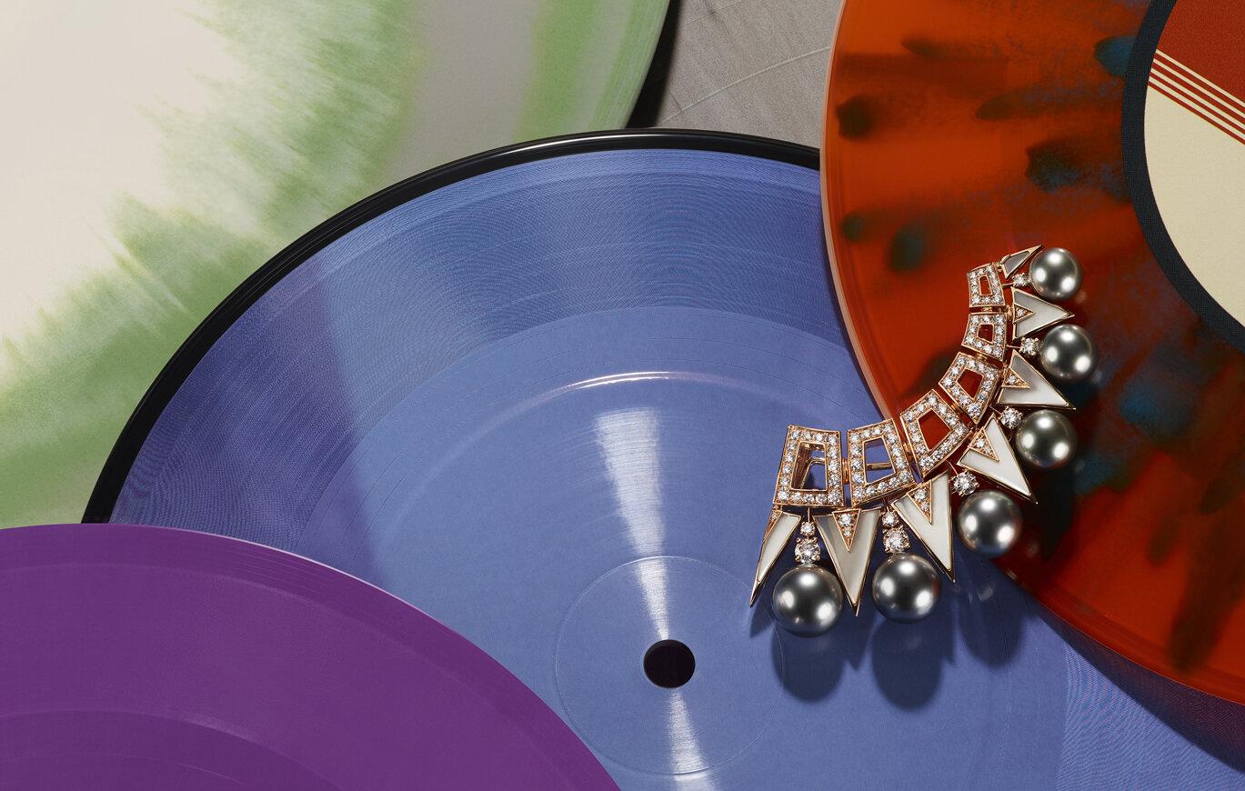 coppi-barbieri-high-jewellery-vogue-mexico-bulgari-pearl-brooch.jpg