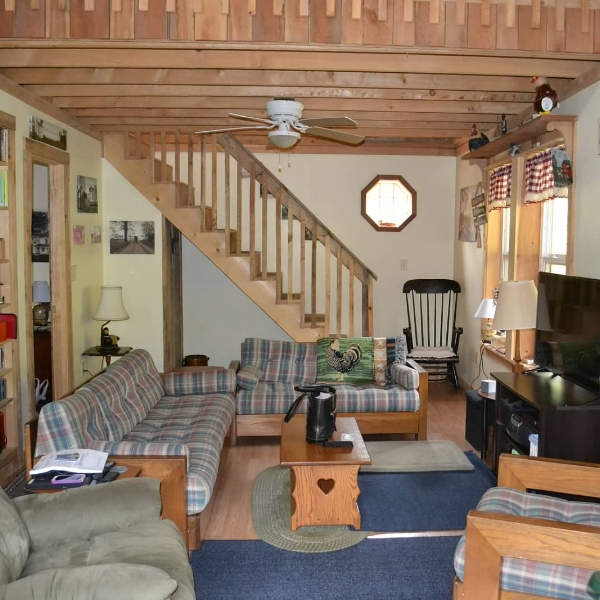 Journey Cabin  - Journey Cabin is a dream come true to live off the grid and be happy and active. The cabin is used for Honeymoons, family gatherings, writers, church groups and many other folk from all over.