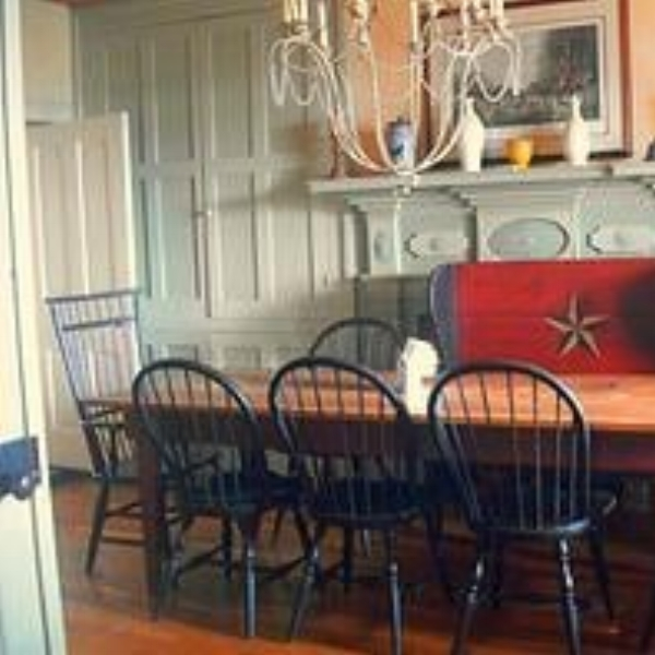 Fiesole Farm  - The historic Farmhouse at Fiesole Farm dates back to the late 1700's. It has three large bedrooms, two full baths, living room, family room, kitchen, and an enclosed sleeping porch