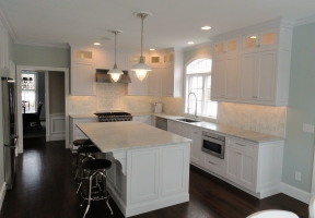 Omega Dynasty & Custom - Ultima Inset door style - Maple wood - Pure White opaque finish - White Carrara Marble countertops
