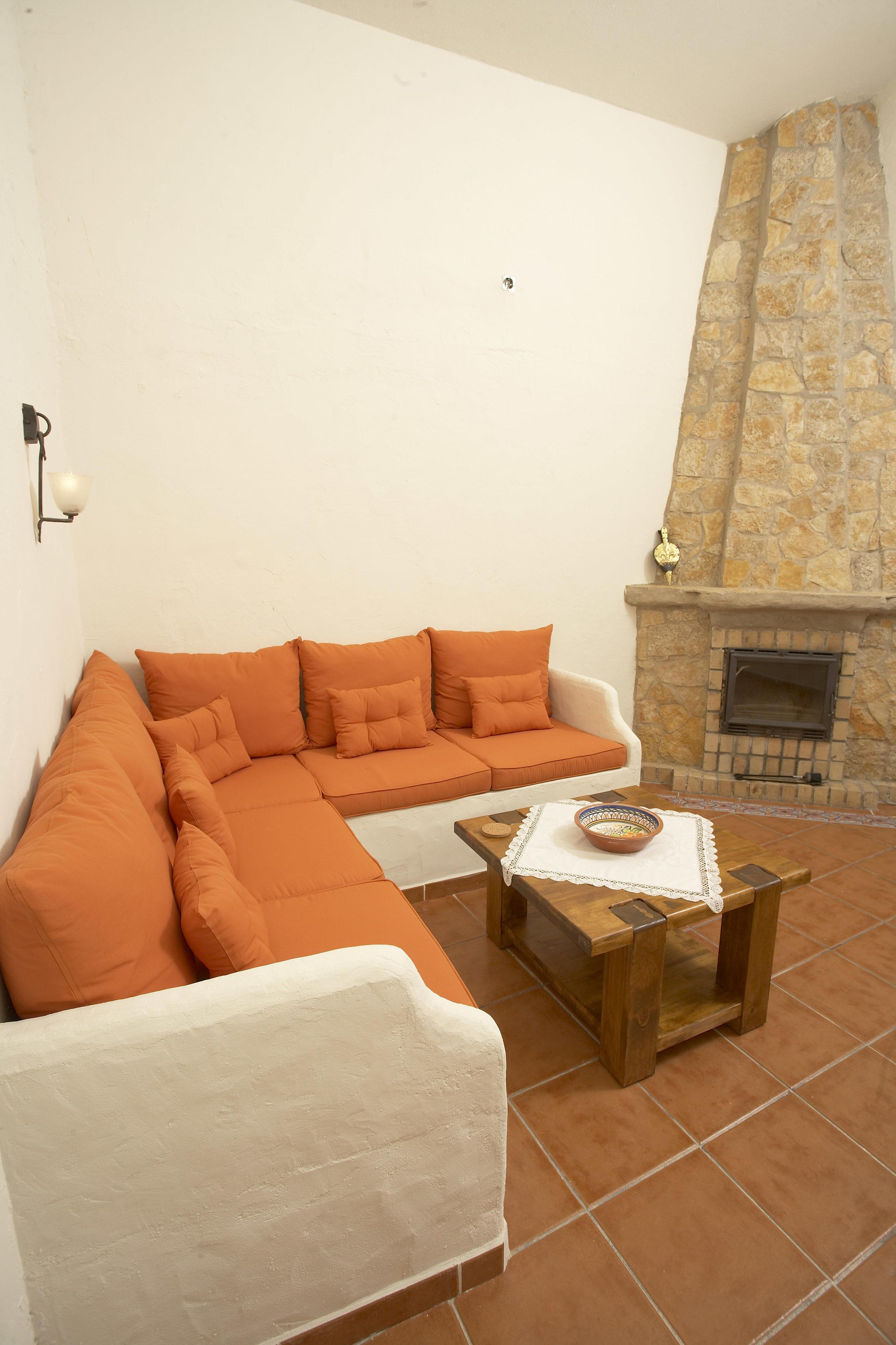 11_Main House Kitchen Livingroom.jpg
