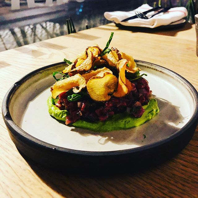 Eitthvað gott í skammdeginu, nautatartar og íslenskt wasabi // Something nice in the winter darkness, beef tartar and icelandic wasabi #nicyspicy #matbarrvk #tartar . . #icelandicwinter #winterfood #localfood #slowfood #slowfoodiceland #goodfood #chefsofinstagram #cheflife #truecooks #reykjavikdining #foodofinstagram