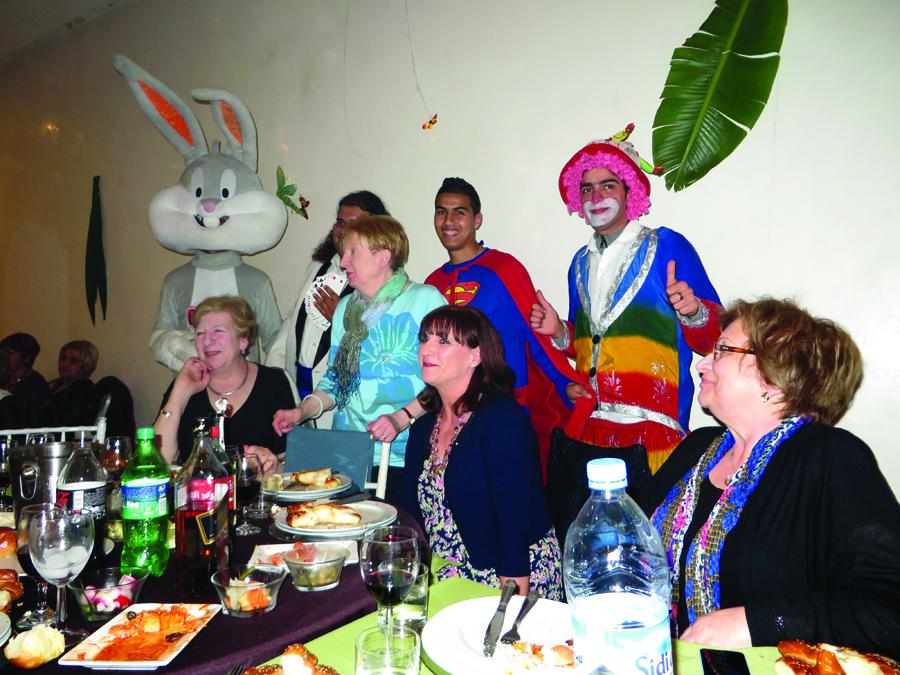 JR Tour - Morocco - Purim table - Joan