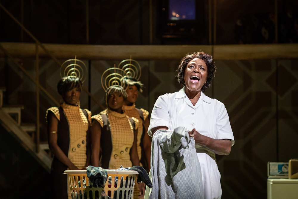 3 Caroline-Or-Change-Playhouse-Theatre-Credit-Helen-Maybanks.jpg